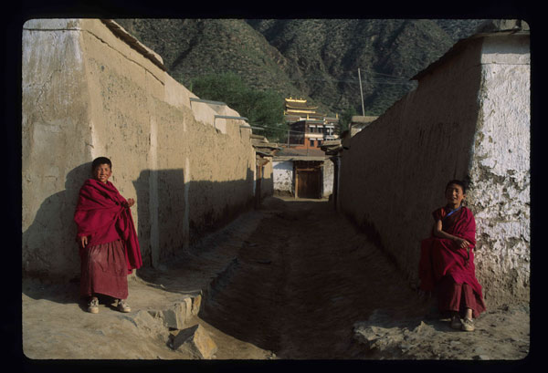 labrang monks
